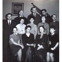 Amelia Heising-Poszowska (drugi rząd,pierwsza z lewej) z gronem pedagogicznym Szkoły Muzycznej, Sopot 1966 r.