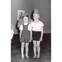 Małgosia Poszowska z kolegą, Przedszkole nr 5 Sopot 1962 r.