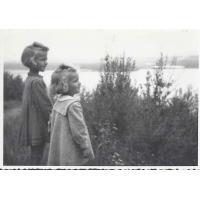 Ewa i Krysia Karnath, Sopot 1954 r.