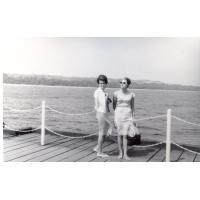 Barbara i Halina Skrzypek na wakacjach, Sopot 1964 r.