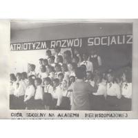 Chór szkolny SP 1 na akademii pierwszomajowej, Sopot 1968 r