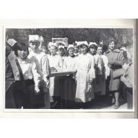 Czcimy święto pracy - uczniowie SP 1 na pochodzie, Sopot 1965 r.