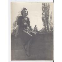 Alicja Niewęgłowska na tarasie domu, Sopot 1948 r.