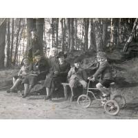 Rodzinny spacer Schuttów, Sopot lata 30. XX w.