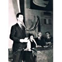 Rozdanie nagród dla finalistów konkursu rysunkowego Józef Golec nauczyciel plastyki uroczystość odbyła się w Urzędzie Miasta Sopotu w auli 1965