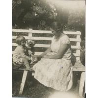 Krystyna Łubieńska z mamą Marią, lata 30. XX w.