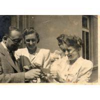 Maria Ciechowska z Maliną i Zdzisławem Jędrzejowicz, Sopot 1946 r