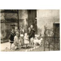 Zabawa na ul. Czyżewskiego, Sopot 1950 r