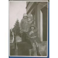 Marian Mokwa z córkami, Sopot lata 30. XX w.