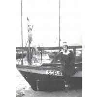 Na łodziach rybackich. Michalina Krzyżanowska, Sopot 1964 r.