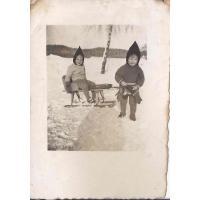 Roswita Stern z siostrą Karin, Sopot, 12. 1945 r.