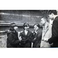 Komentarze po maturze, Stanisław Gienc drugi z prawej, Sopot 1965 r.