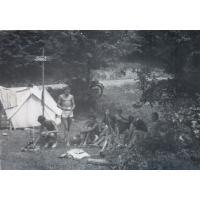 Sopocianie biwakują w Chmielnie, lata 60. XX w.