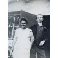 Stanisław Gienc z żoną Parasolnika Jadwigą Bulczyńską, Sopot lata 60. XX w.