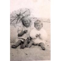 Teresa i Dorota Misiołek, Sopot lata 40. XX w.