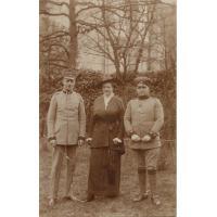 Theodora Claaszen z bratem Arthurem i pierwszym mężem Güntherem Pfefferem, 1914 r.