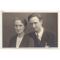 Walentyna Kurpisz-Roth z synem Gustawem Roth-Kowalski, 1942 r.