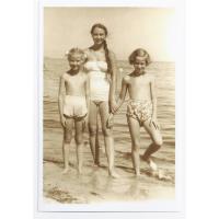 Wirginia, Agnieszka i Dalia, Sopot lata 50. XX w.